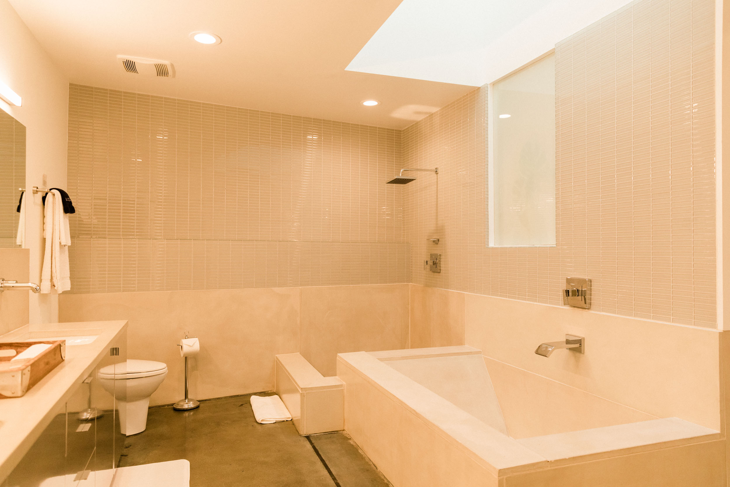 Kim Sing Theatre master bathroom
