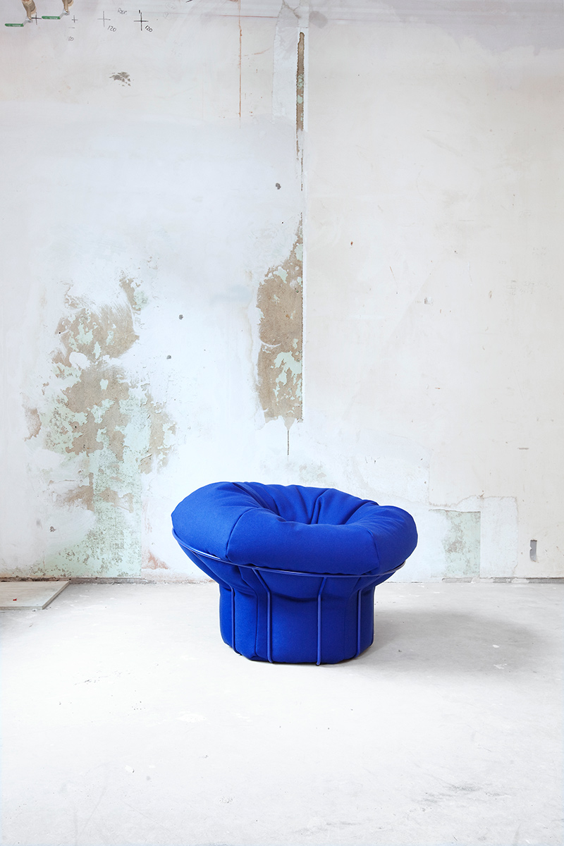 Swell upholstered chair (Form Us With Love)