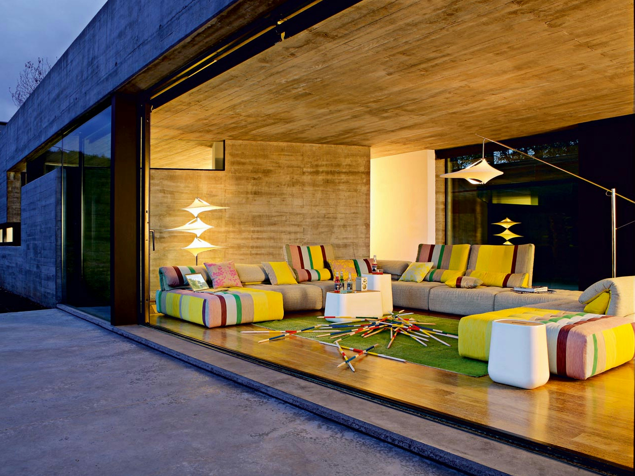 voyage-immobile-modular-sofa-in-situ-contemporary-home.jpg