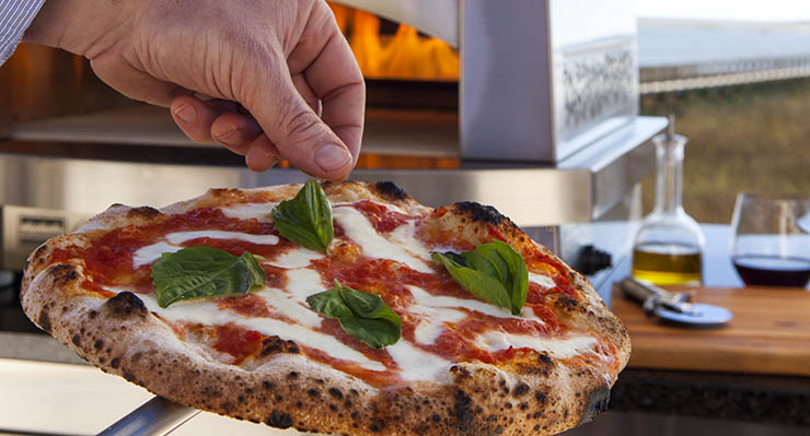 Nothing says spring and summer than a rustic pizza, fresh from your own outdoor oven!