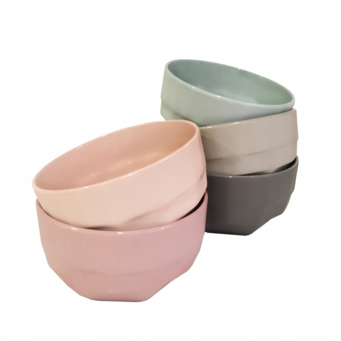 Set of 5 color porcelain bowls with faceted design from Hubsch