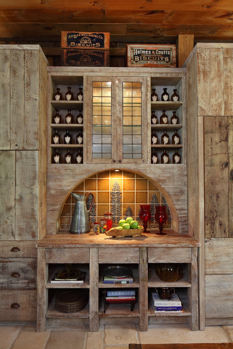 IWI_PA-Barn_kitchen_cabinets_raw_wood_details_desk_tile.jpg