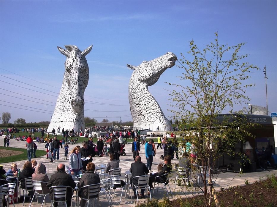 Kelpies, from visitors centre.jpg