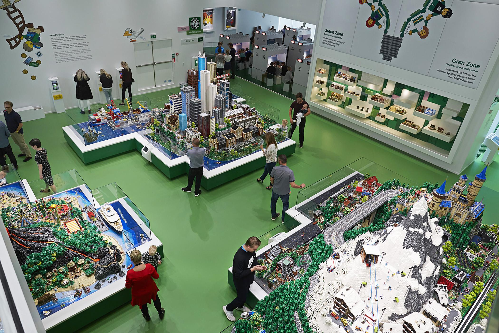 World Explorer. Photo (c) LEGO Group