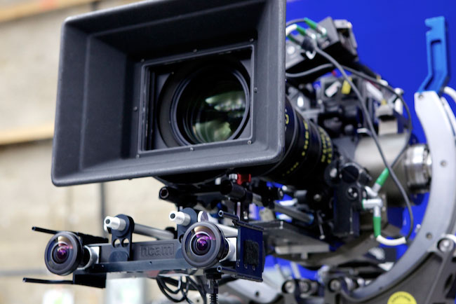 The system can be fitted to any film or broadcast camera configuration, whether dolly, crane, handheld or Steadicam and it works with spherical or anamorphic, prime and zoom lenses.