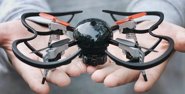 The construction of Micro Drone 3.0 is modular with magnets and sliders to replace parts.