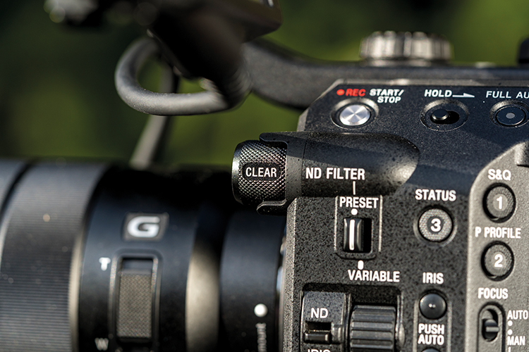 For version 2 of the Sony FS5 there are minimal cosmetic changes, a black ND dial is one.