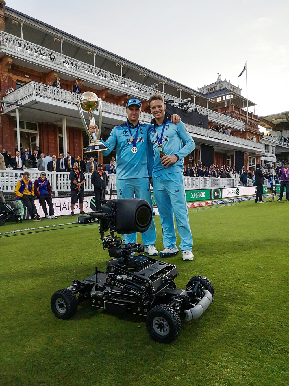 England World Cup winners Jason Roy and Jos Buttler with the Motion Impossible Agito - Pic credit  BatCam.tv