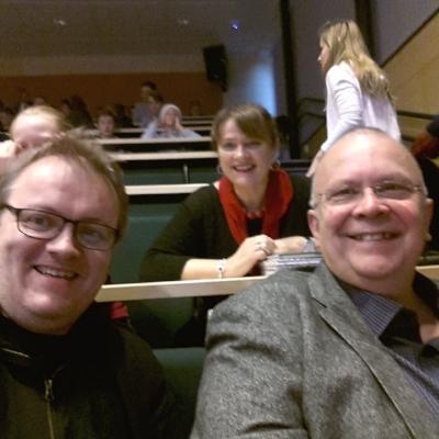 Dei kjekkaste skulebesøka er saman med andre forfattarar. Her med Bente Bratlund og Rune Belsvik - 2015