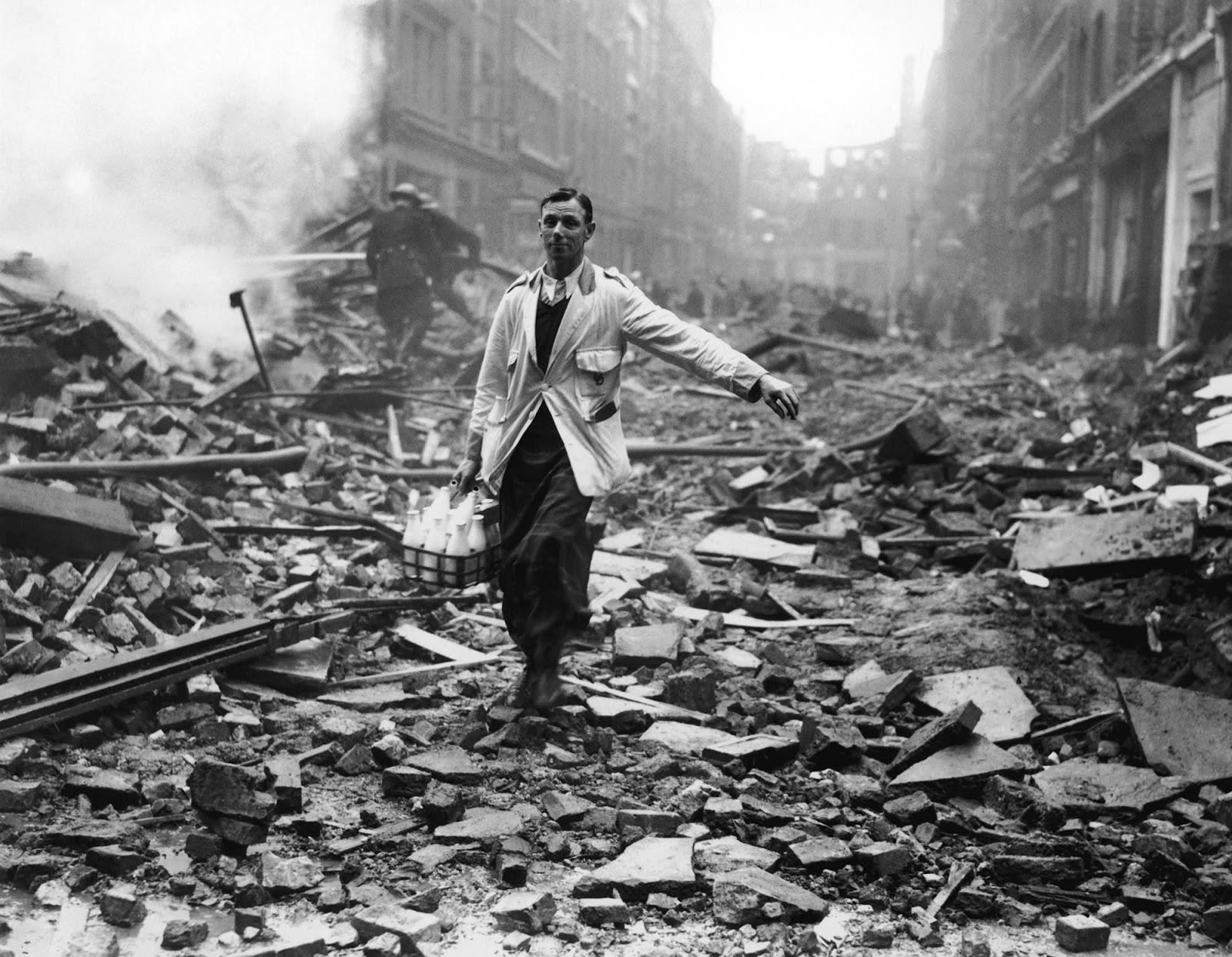 The Milkman - 1940. Rare Historical Photos