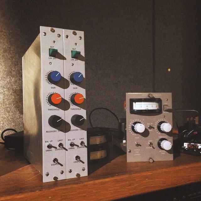 Oops. Make that three Decca compressors. #Decca #Mono #Stereo