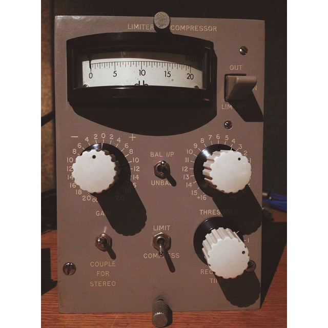 We decided we didn't have enough vintage gear and got ourselves a Decca compressor. #Decca