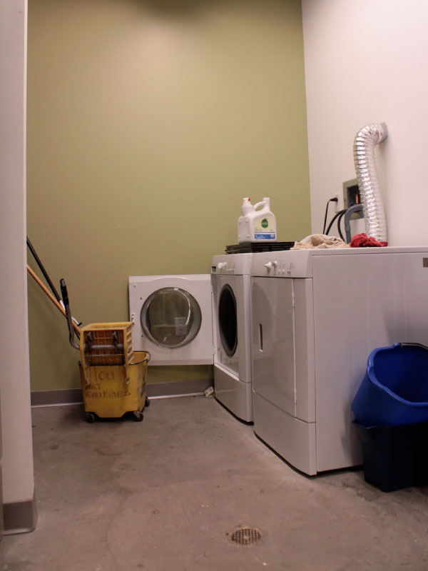 washer_and_dryer.jpg