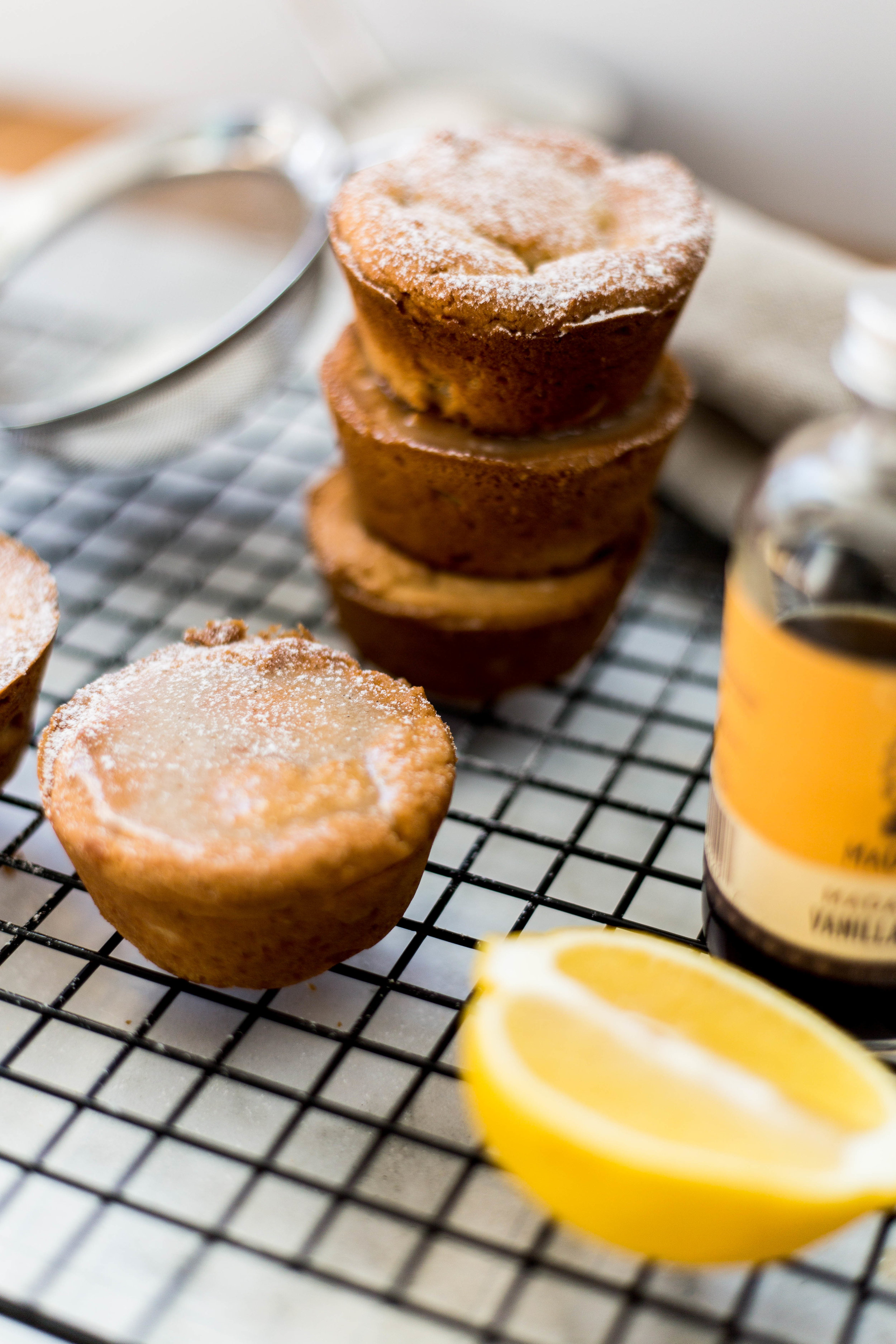 lemon vanilla bean gluten free muffin recipe | #puremamas