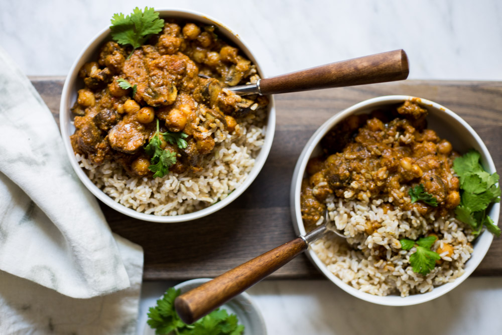 Vegan Korma with Mushrooms and Chickpeas! #puremamas