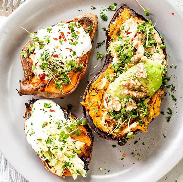 It's only 8:30a and I'm already craving these loaded 🥔sweet potatoes. I'm a savory breakfast eater what can I say🤷🏼♀️. Did you know sweet potatoes keep your ❤️heart healthy and your digestive system as well. All the fiber, potassium and vitamins A and B make them a true superfood. This orange variety is high in beta carotene 👀 When you bake sweet potatoes they caramelize😋 Have you baked any lately? What do you top them with? . . . . . . . . . . . . .  #plantbasedpower #wholefoodplantbased #dairyfreelife #dairyfreefood #eatwelllivewell #veganfamily #veganeating #whatveganscook #plantbasedlifestyle #plantbasednutrition #veganfoodlover #givemethatplant #fitfoodiefinds #plantpoweredathlete #veggiepower #veganfoodspot #allergenfree #rawvegansofig #rawfoods #cleaneatingideas #veganfit #fitfoodies #greenfood #livingthelife