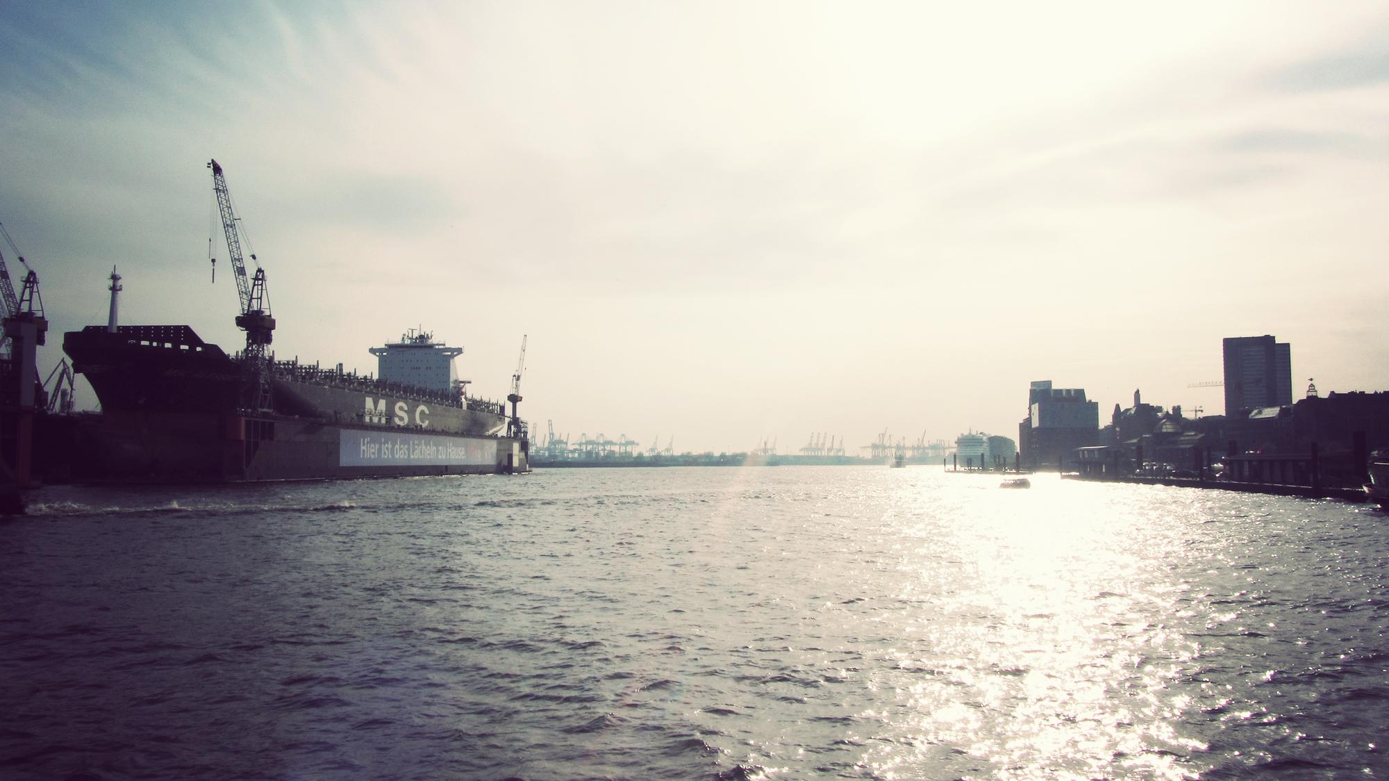 HAM_Harbour_06.jpg