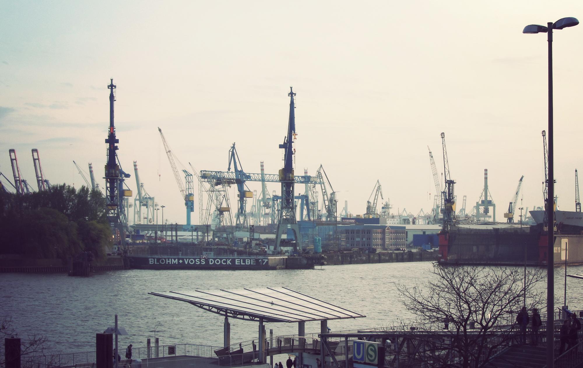 HAM_Harbour_02.jpg