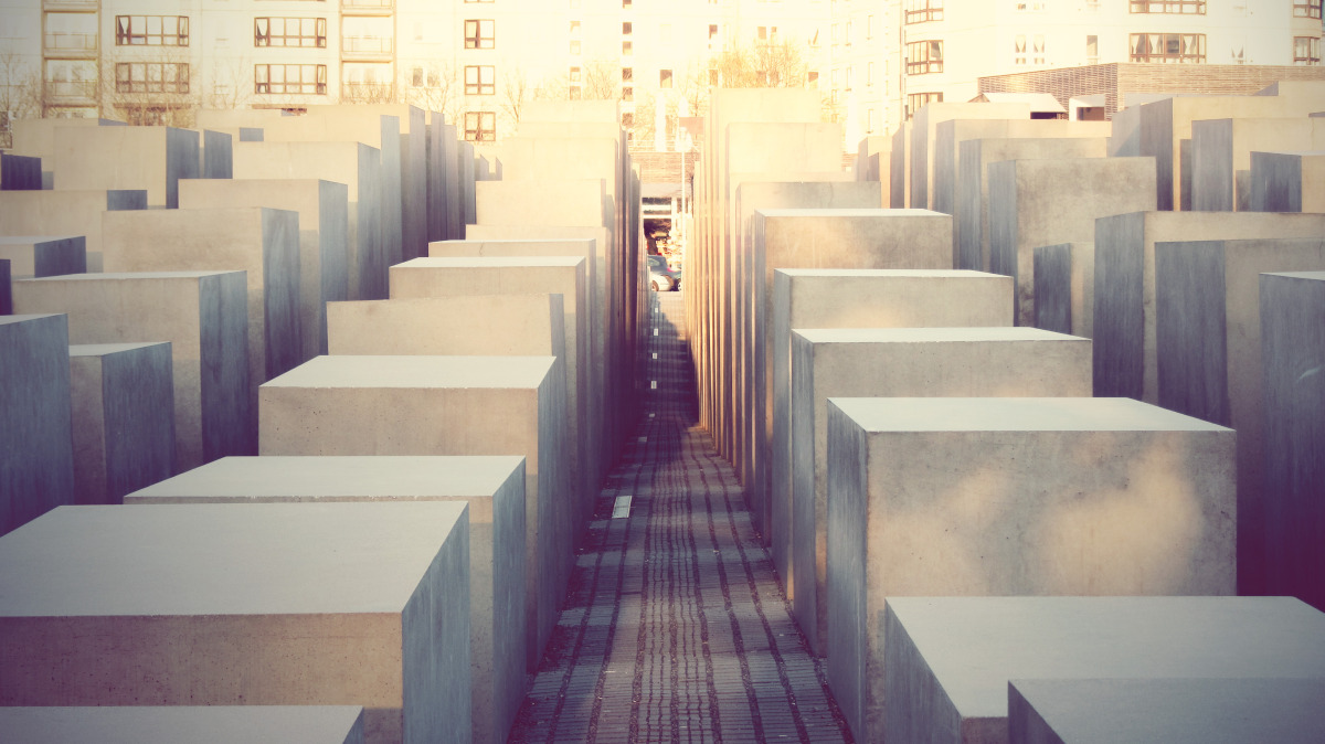 monument to the murdered jews of europe_04.jpg