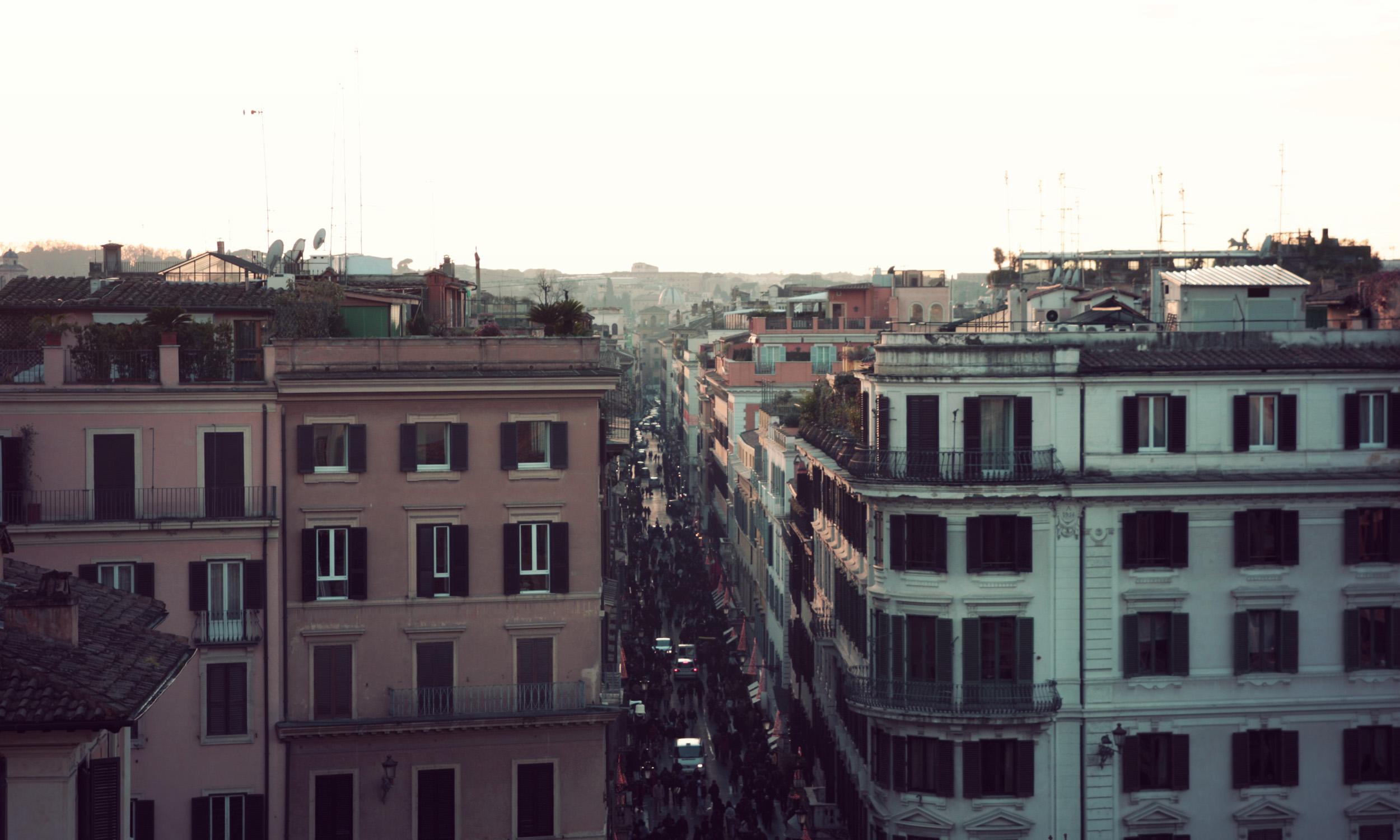 Via-Del-Condotti_02.jpg
