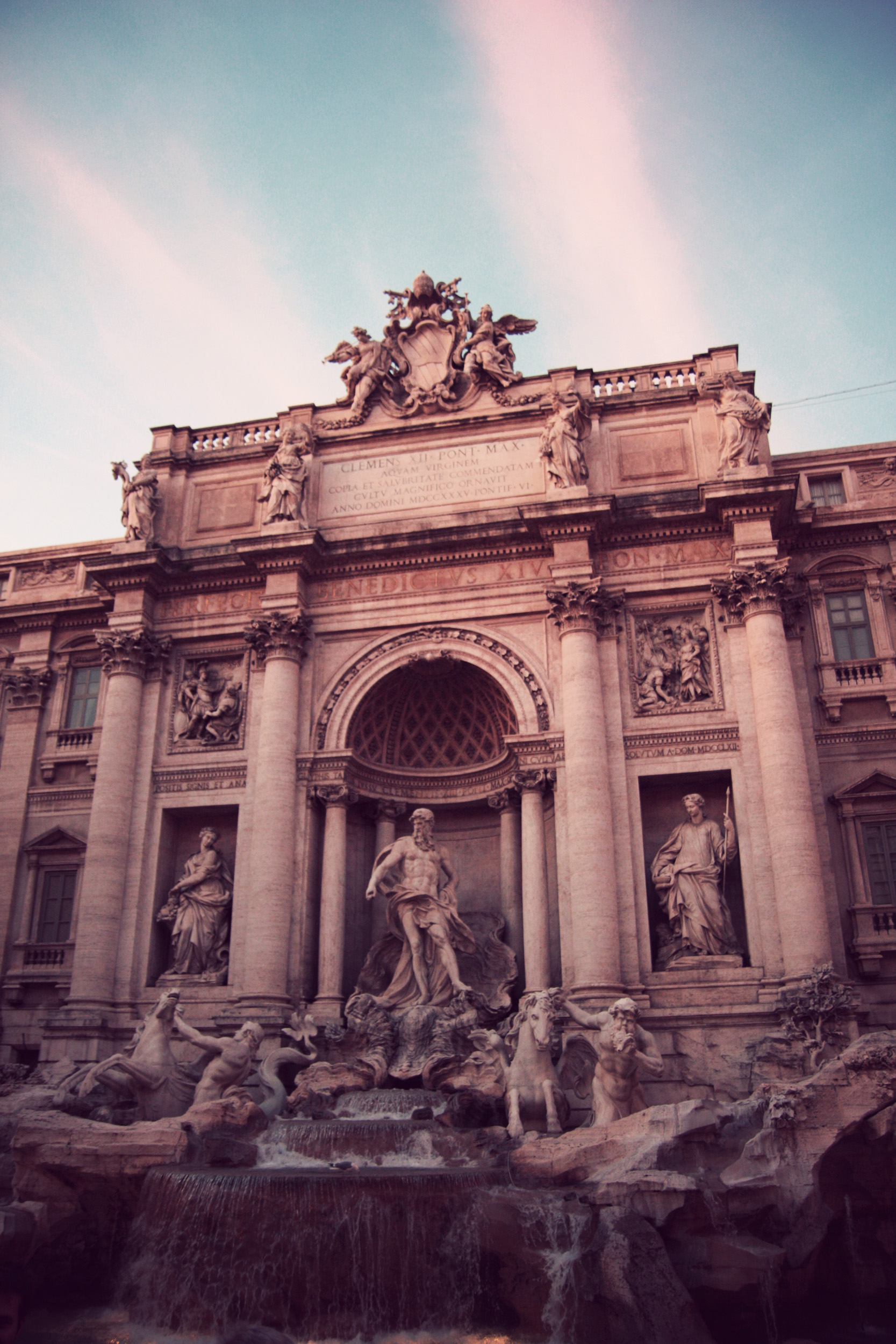 ROMA_Trevi Fountain_02.jpg