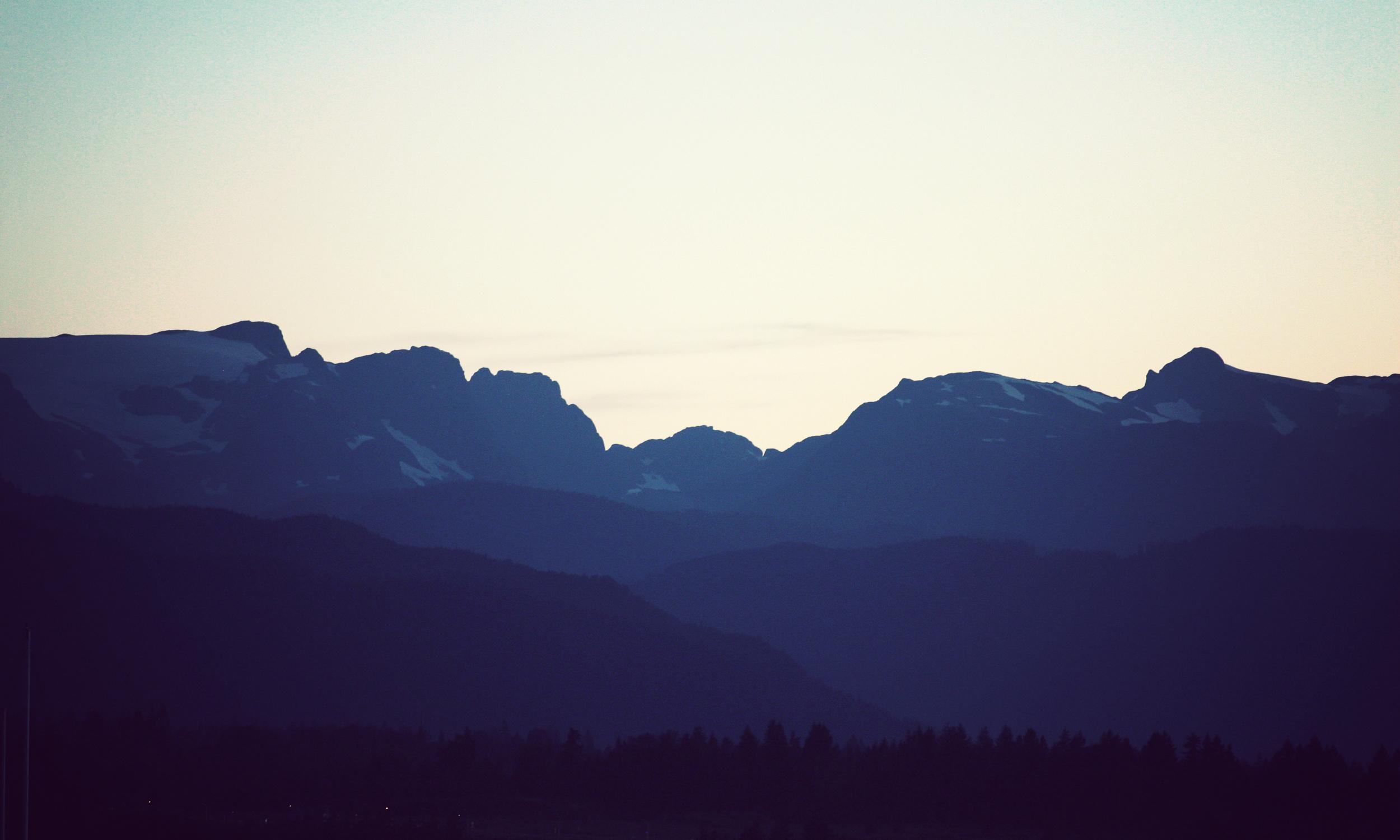 CMX_Mountain-Evening_01.jpg