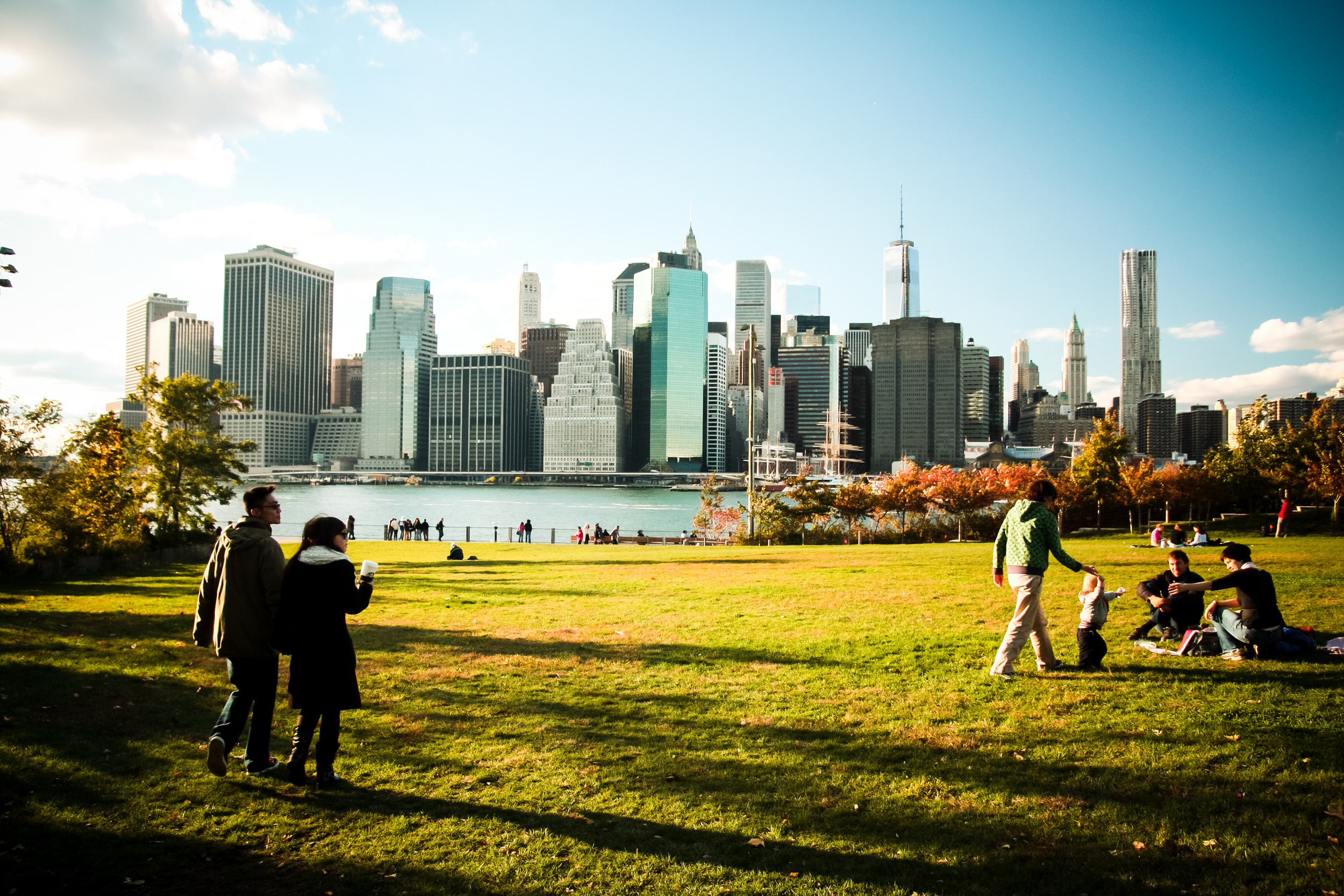 Brooklyn Bridge Park with a view to Lower Manhattan.