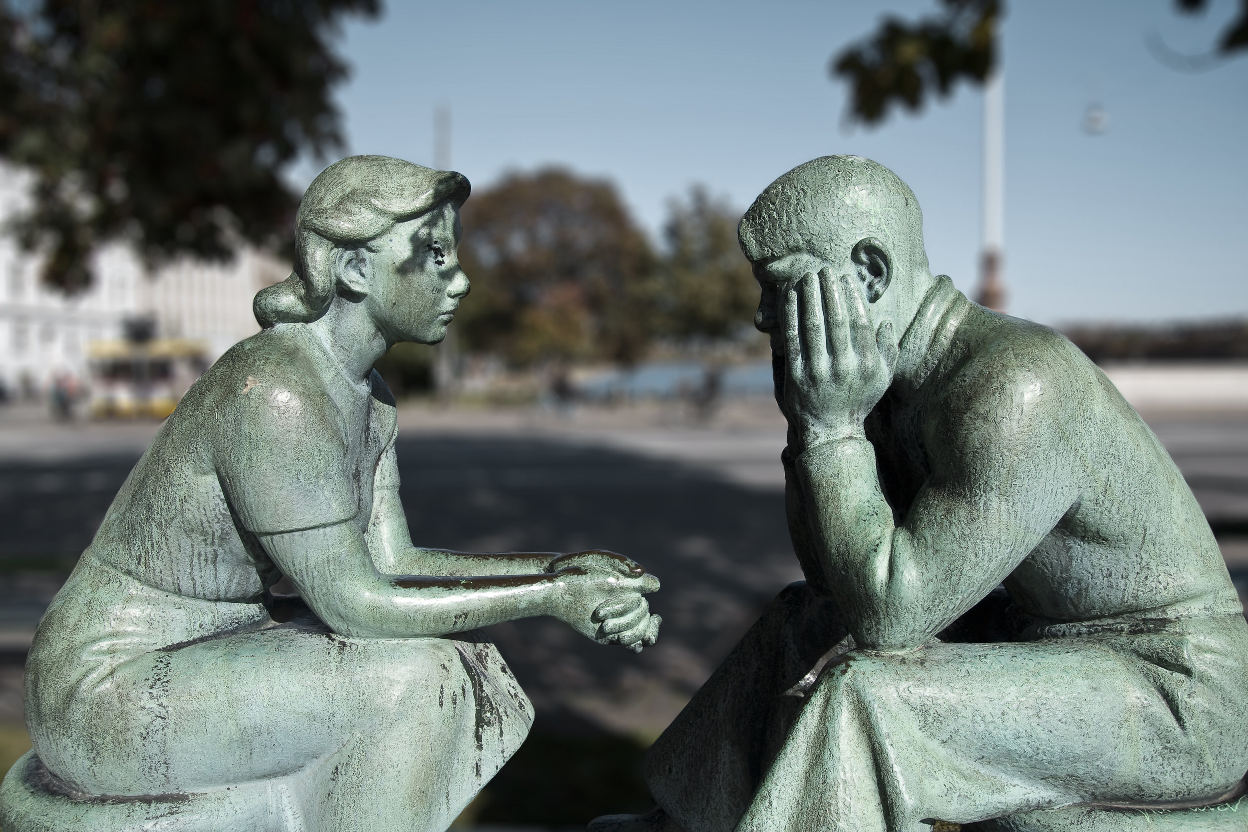 Copenhagen-Norrebro-Droning-Louises-Bro-Statue-Couple-Patina-Sad.jpg
