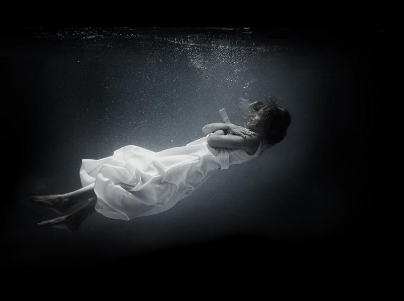 underwater_dark11.jpg