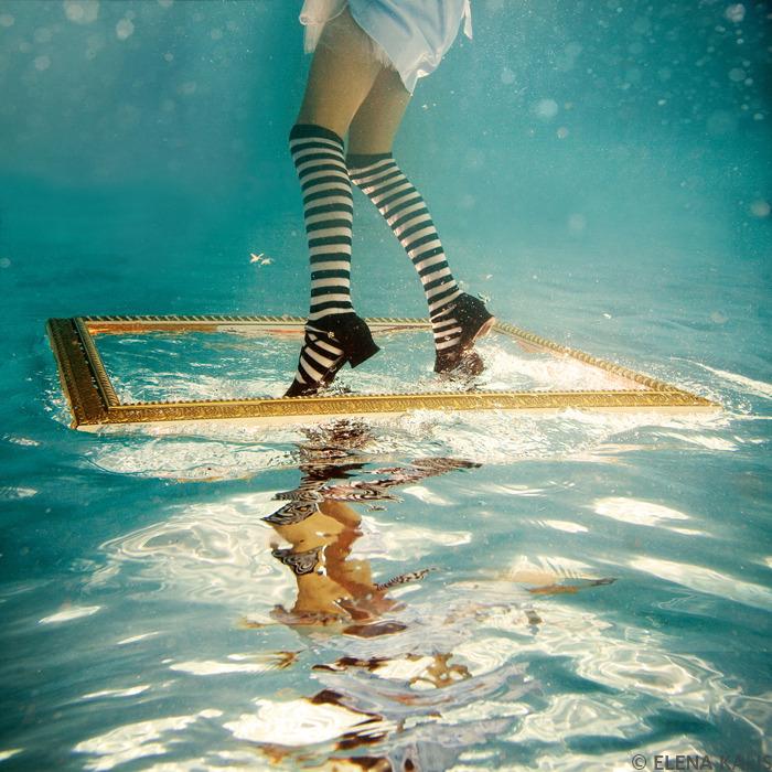 underwater_alice01.jpg