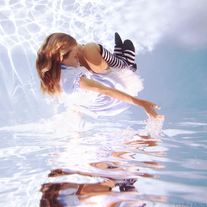 underwater_alice02.jpg
