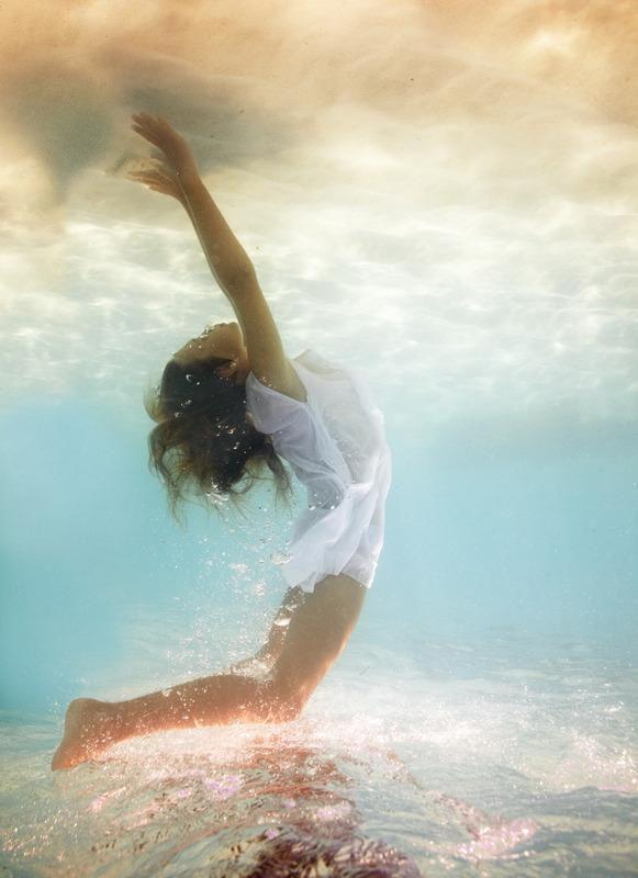 underwater_elena_kalis54.jpg