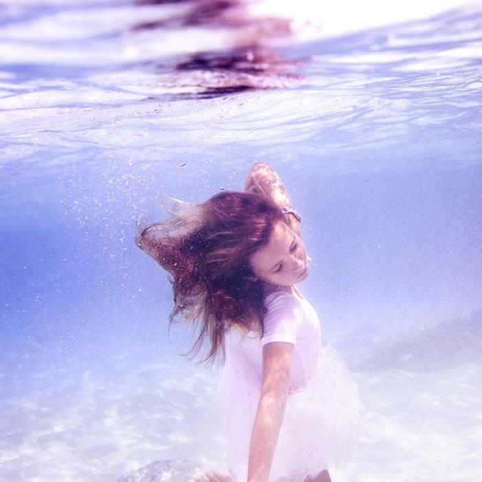 underwater_elena_kalis74.jpg