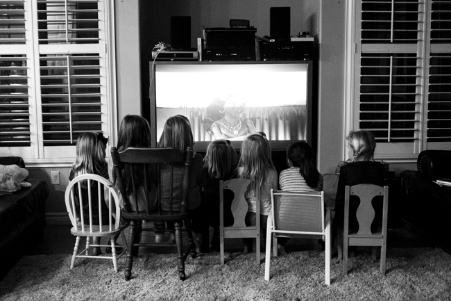 I tried to make sure we had enough activities to last the entire 2 hours, but some kids eat really fast.  The last 10 minutes Clara decided she wanted to have a movie theatre and watch Barbies Dream House.