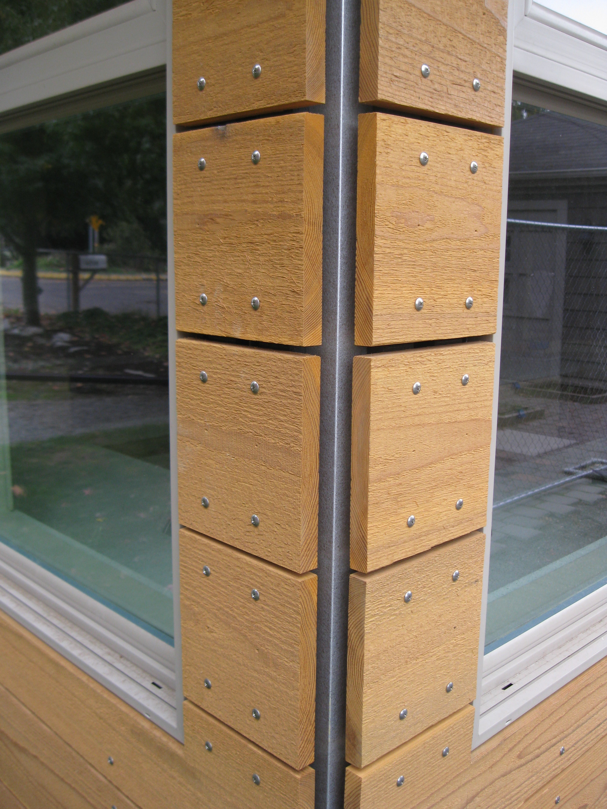 Open Butt Joint Rain Screen with Corner Metal