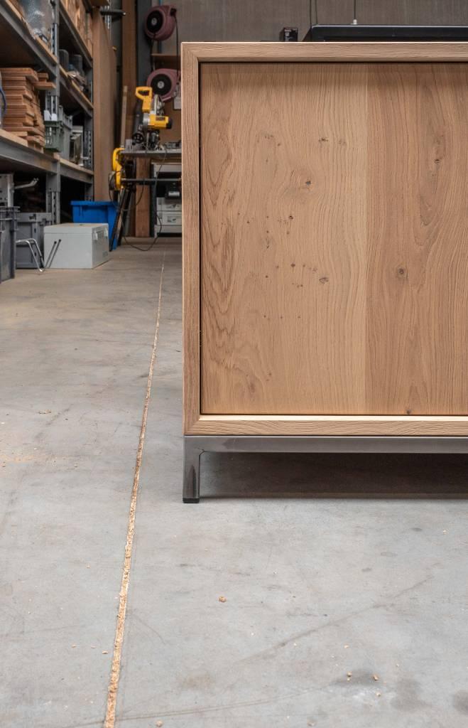 stockholm-tv-kast-op-maat-met-inliggende-deuren-2.jpg
