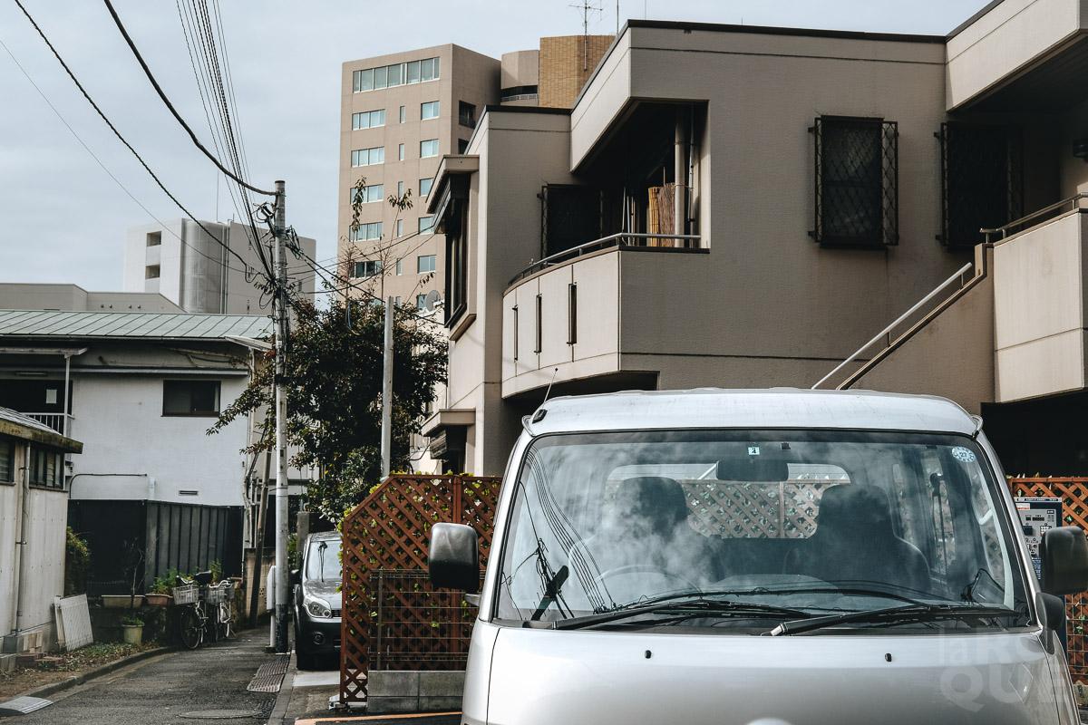 LAROQUE-tokyo-quiet-07.jpg