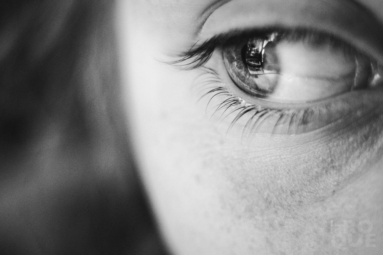 LAROQUE-blink-eye-01.jpg