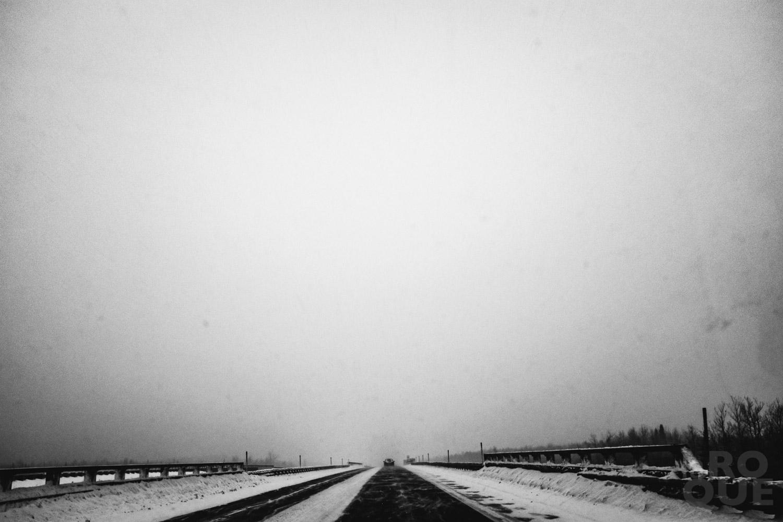 LAROQUE-ice-driving-01.jpg