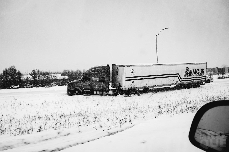 LAROQUE-ice-driving-05.jpg