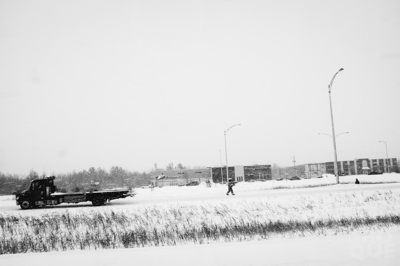 LAROQUE-ice-driving-08.jpg