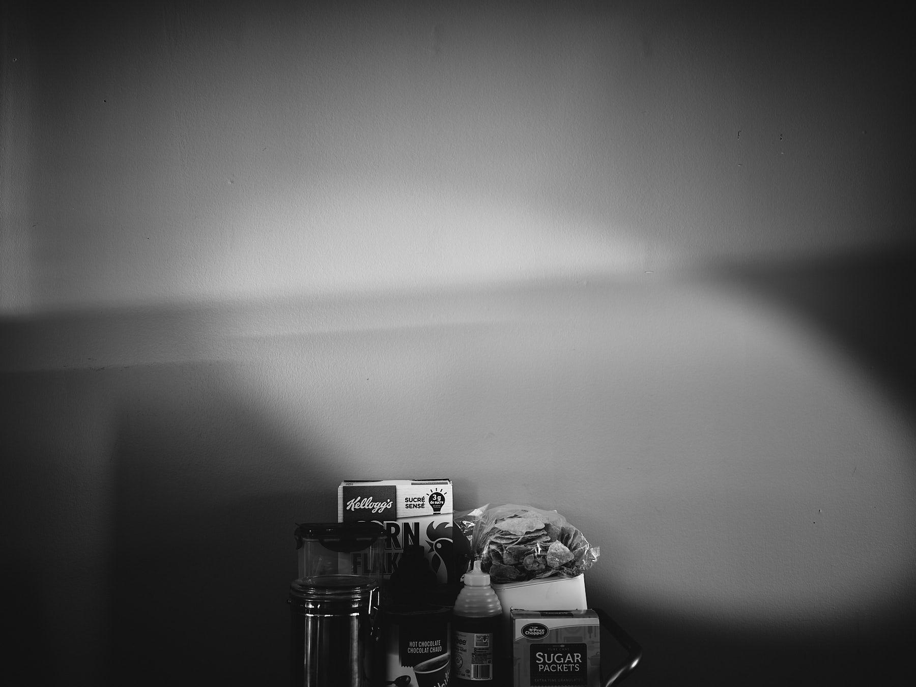 laROQUE-Dark-stolen-glances-002.jpg
