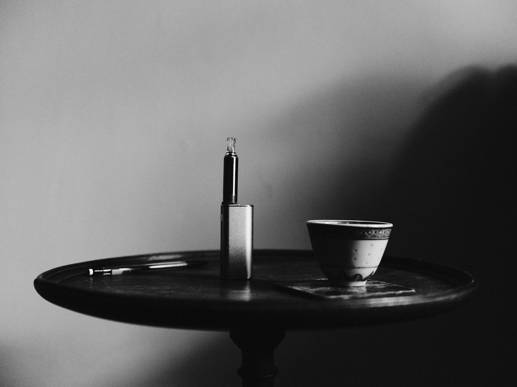 laROQUE-Dark-stolen-glances-005.jpg