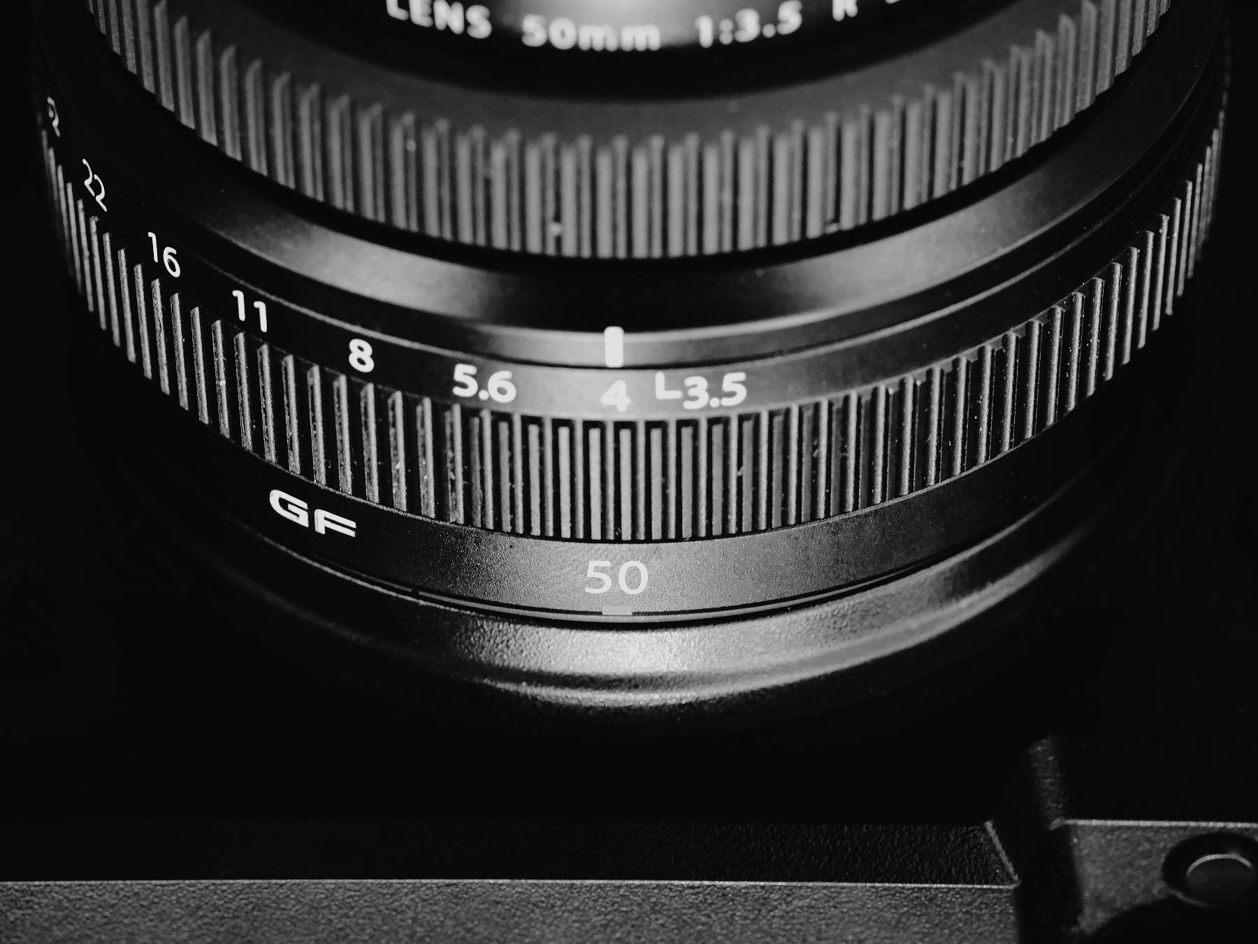 laROQUE-GF50mm-001.jpg