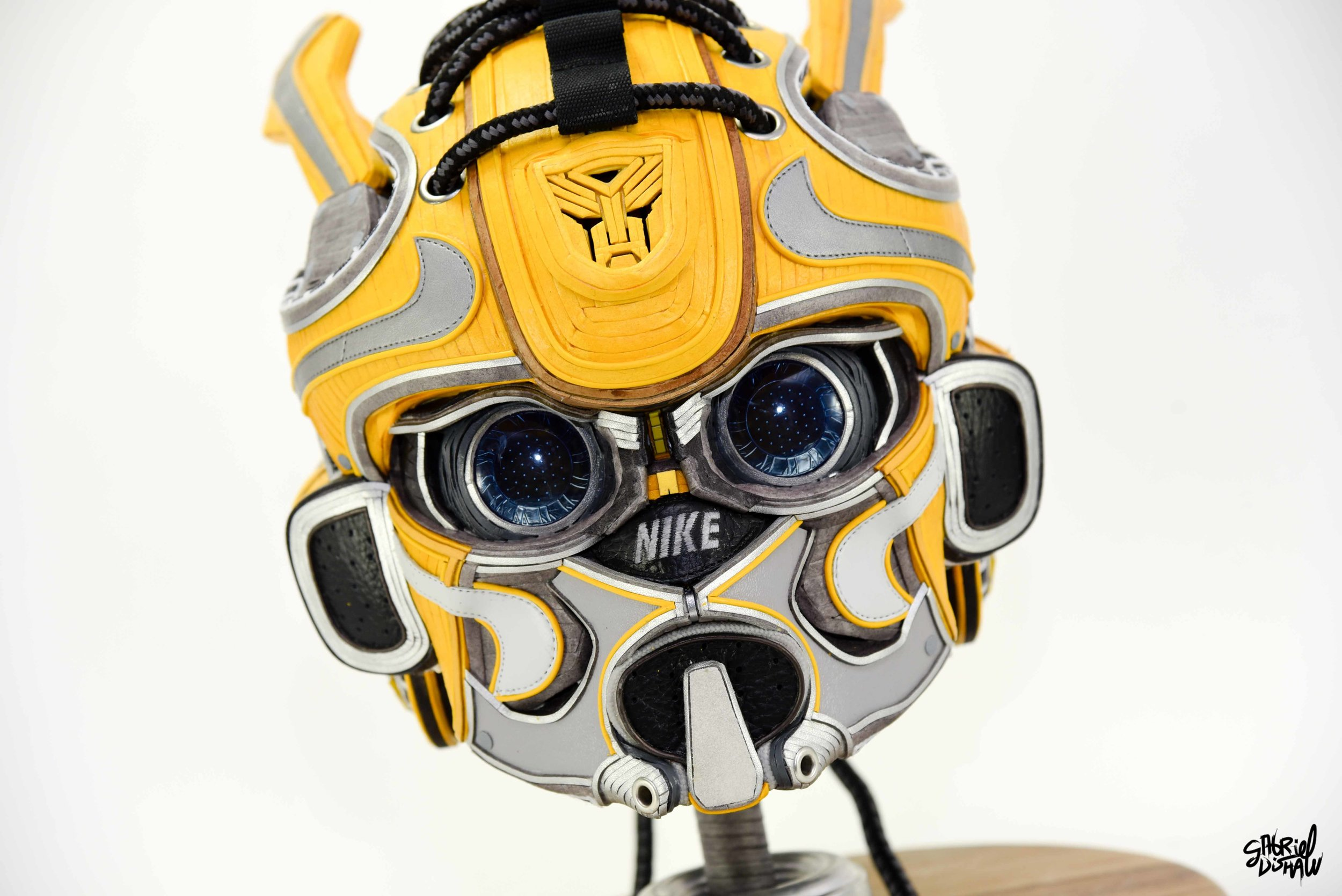 Gabriel Dishaw Bumblebee Swoosh-8331.jpg