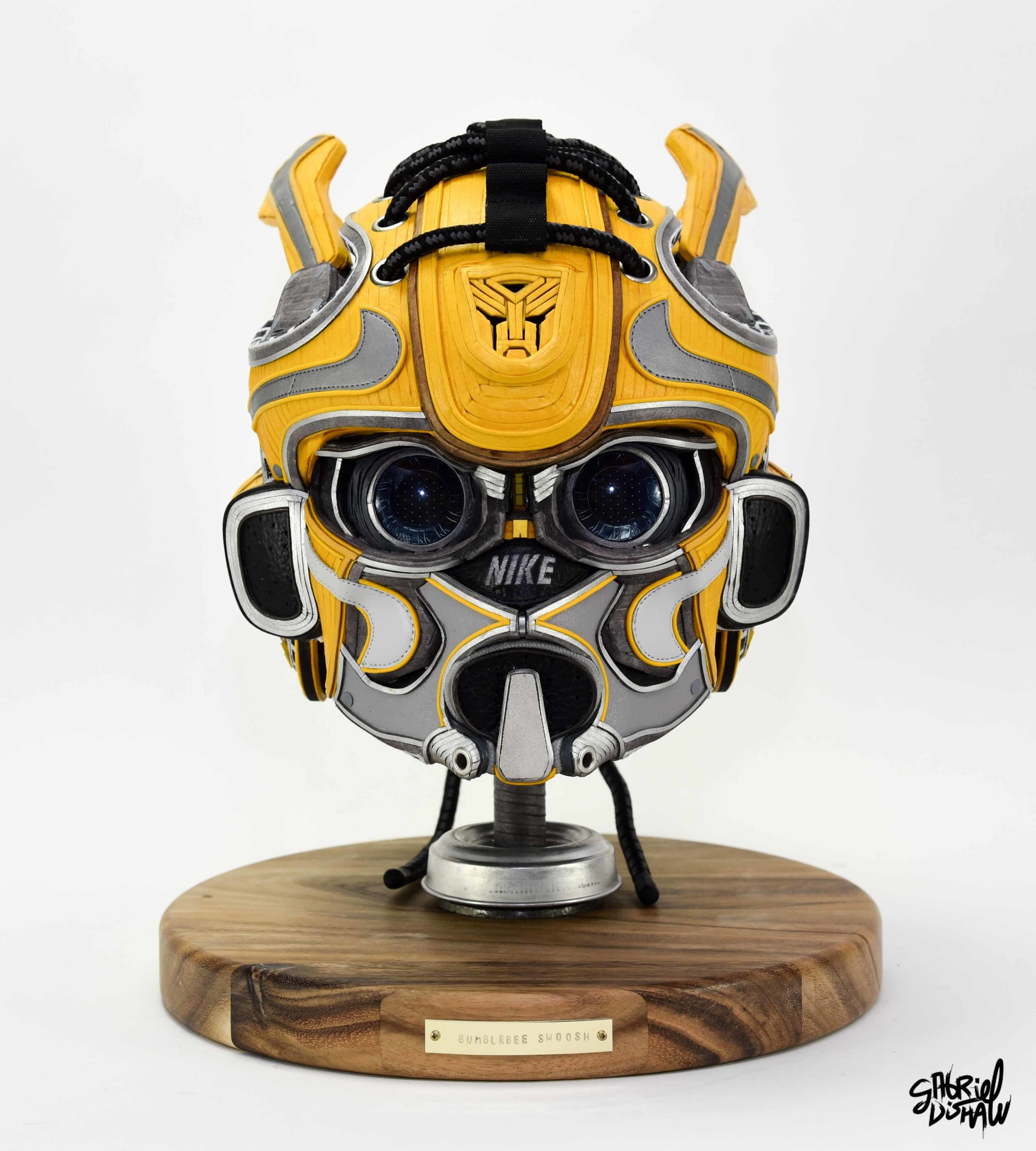 Gabriel Dishaw Bumblebee Swoosh-8338.jpg
