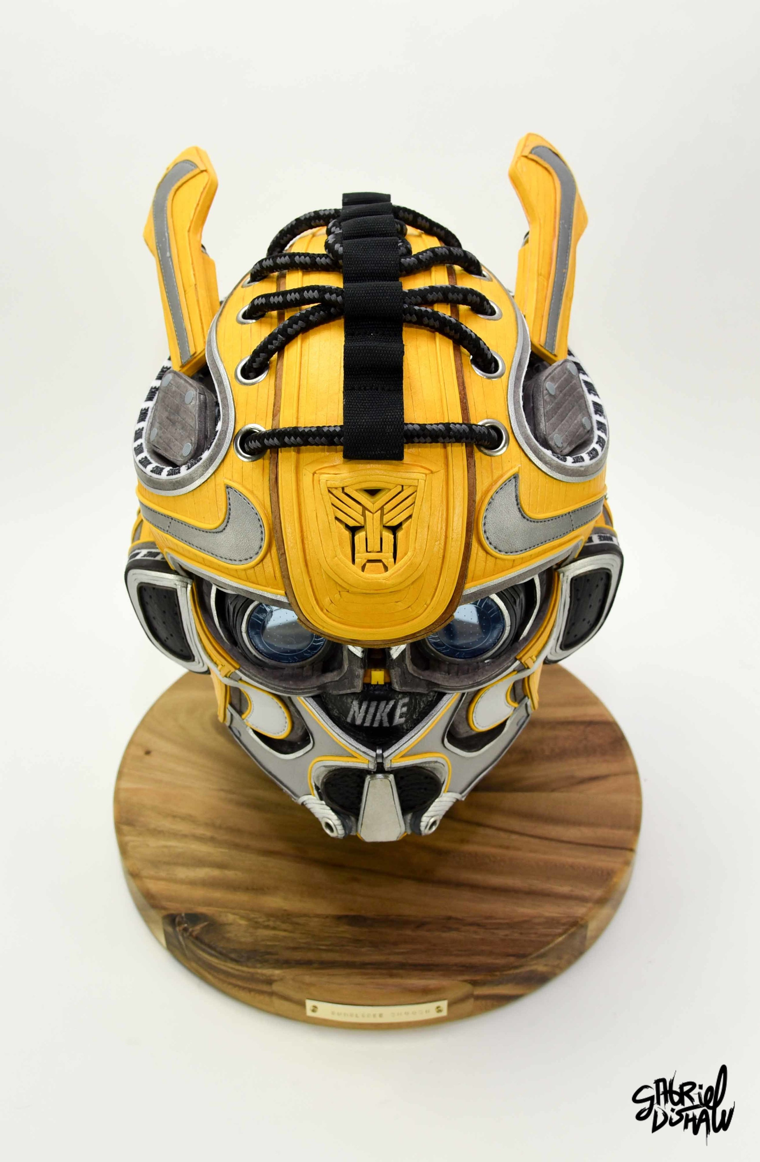 Gabriel Dishaw Bumblebee Swoosh-8412.jpg