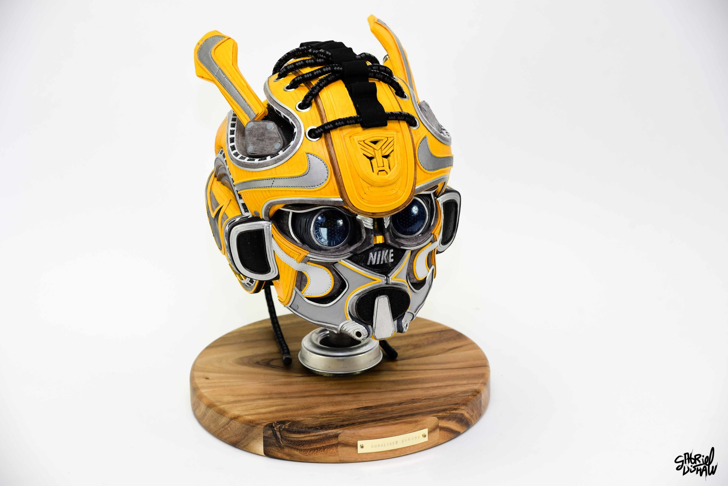 Gabriel Dishaw Bumblebee Swoosh-8419.jpg