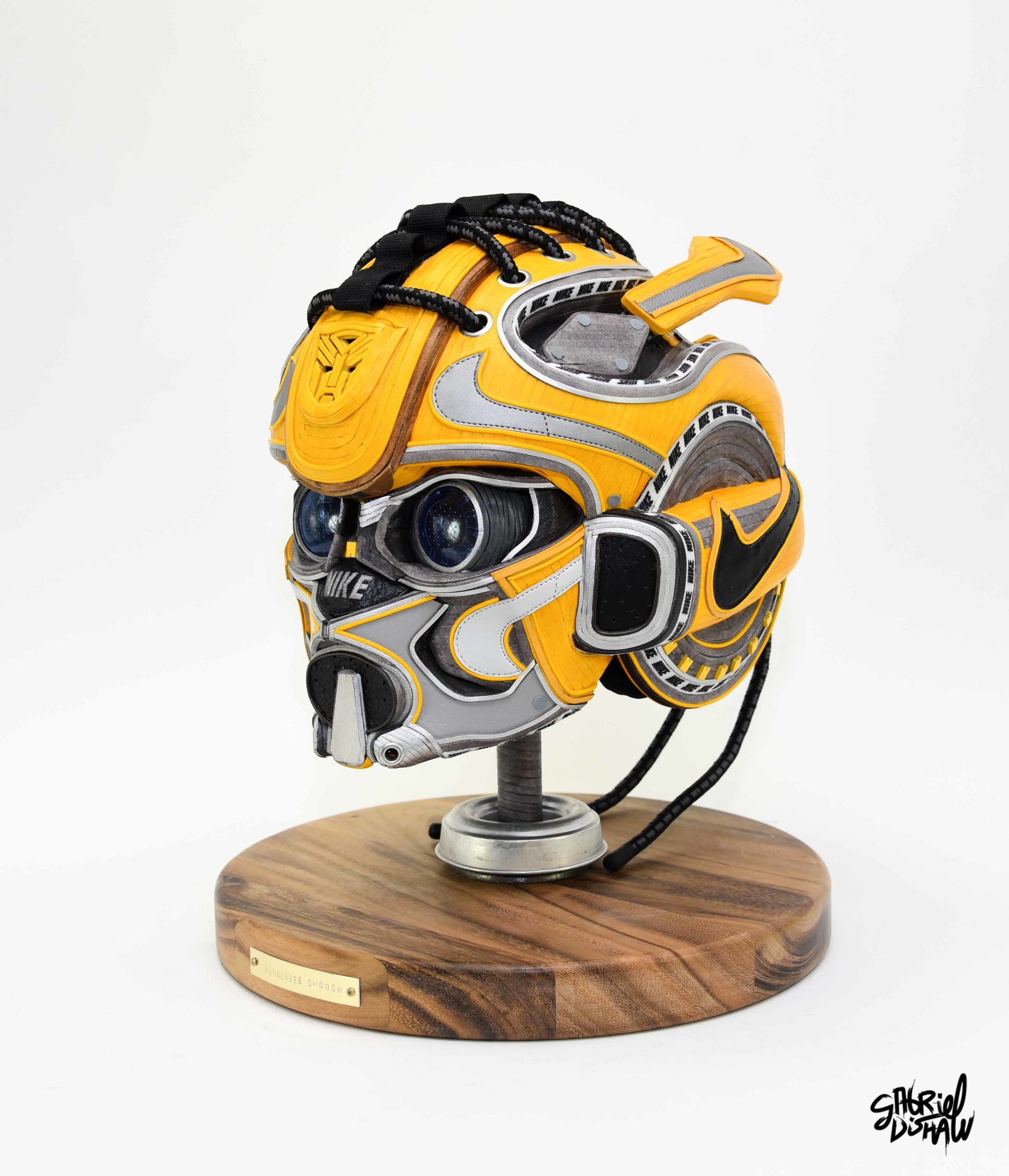Gabriel Dishaw Bumblebee Swoosh-8606.jpg