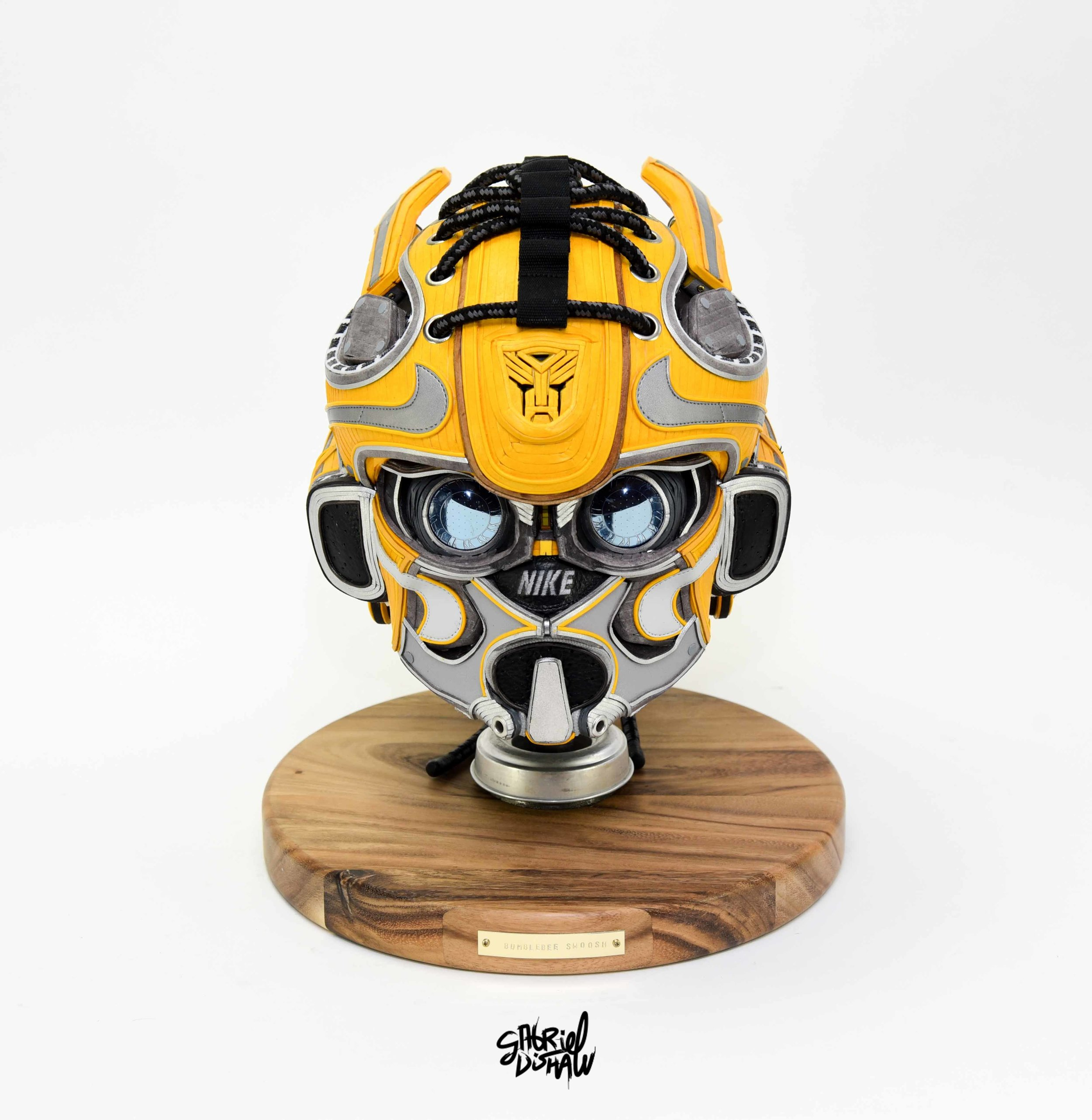 Gabriel Dishaw Bumblebee Swoosh-8643.jpg